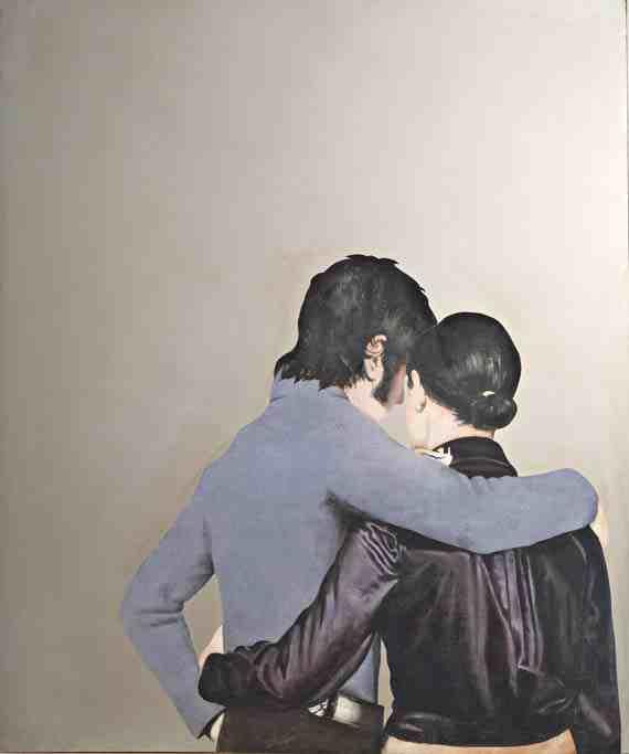 Lui e lei abbracciati