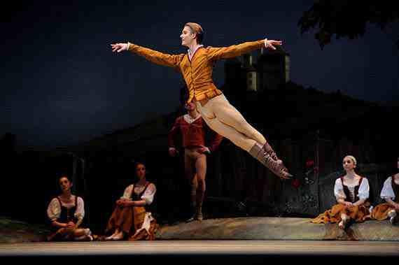 Artem Yachmennikov in Tomasson's Giselle