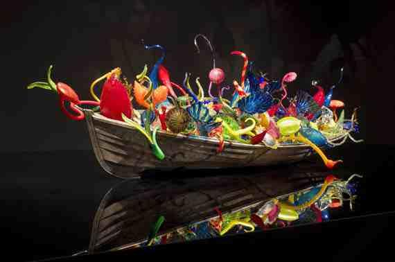 Dale Chihuly: Ikebana Boat