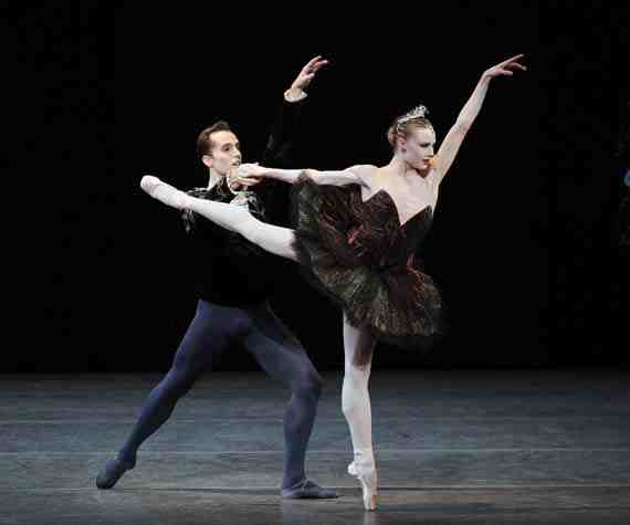 NYCB, Jared Angle and Sara Mearns in Peter Martins' Swan Lake