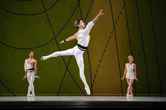Isaac Hernandez in Ashton's Symphonic Variations