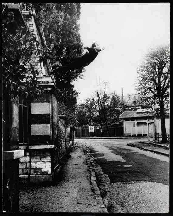Yves Klein, Obsession de la lévitation