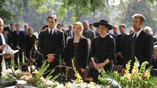 Six Feet Under Pilot funeral