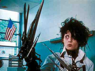 Edward Scissorhands (1990) - Edward Scissorhands (Johnny Depp) At School