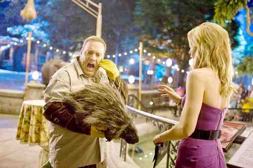 Zookeeper (2011 ) - Kevin James with porcupine