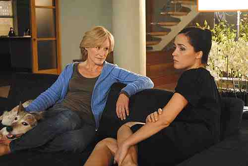 Glenn Close as Patty Hewes and Rose Byrne as Ellen Parson in Damages