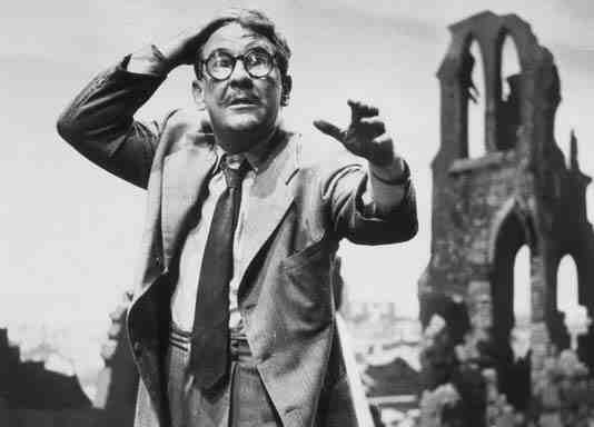 Burgess Meredith as Henry Bemis in The Twilight Zone's Time Enough At Last