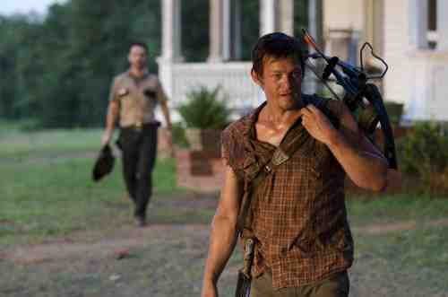 The Walking Dead Daryl and Rick S02E04