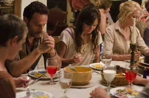 The Walking Dead S02E05 dinner