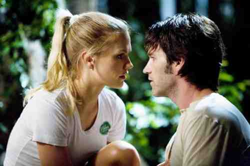 Anna Paquin and Stephen Moyer star as Sookie Stackhouse and vampire Bill Compton
