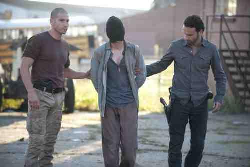 "The Walking Dead Recap: ""18 Miles Out"" (Season 2, Episode 10) 1"