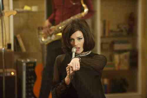 "Mad Men Recap: ""A Little Kiss"" (Season 5 Premiere) 3"