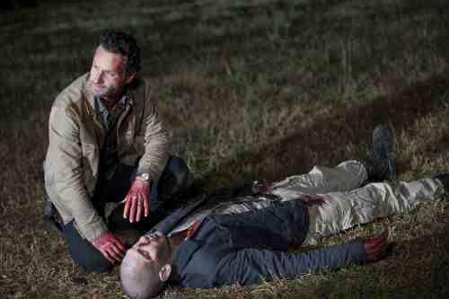 Walking Dead S02E12 Rick zombie Shane