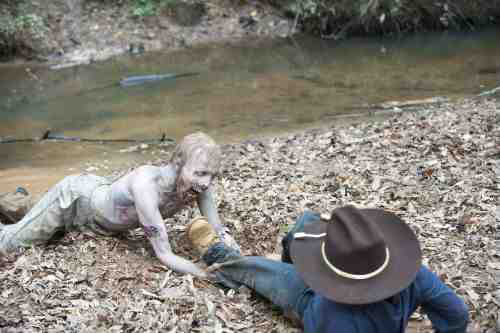 Walking Dead Carl zombie S02E11