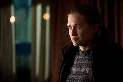 Sarah Linden (Mireille Enos) in The Killing Season 2, Episode 5 Ghosts of the Past-