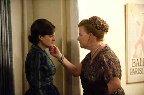 Mad Men S05E07 Peggy and Katherine Olson