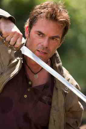 REVOLUTION – Chained Heat – Billy Burke as Miles Matheson