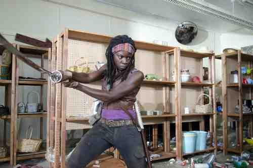 Walking Dead Season 3 Episode 1 Michonne sword