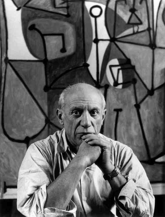 Pablo Picasso in front of La Cuisine