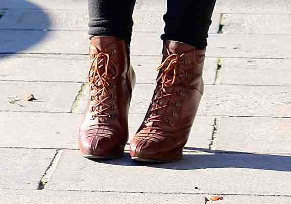 CLR Street Fashion: Cecil shoes