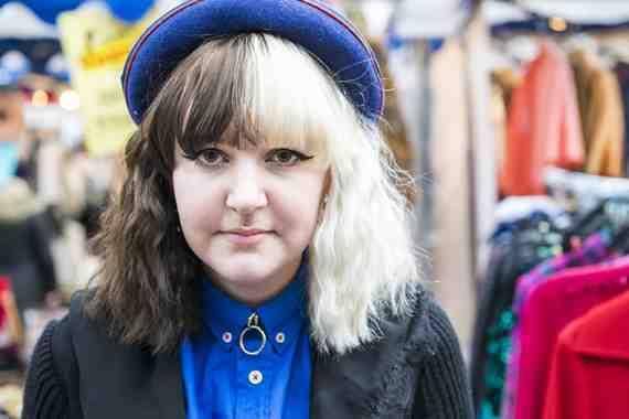 CLR Street Fashion: Alice in London