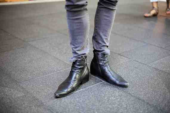 CLR Street Fashion: Ziggy jeans , Zu boots