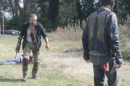 Walking Dead S03E15 Zombie Merle and Daryl